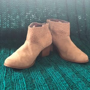 Tom Booties Size 7.5